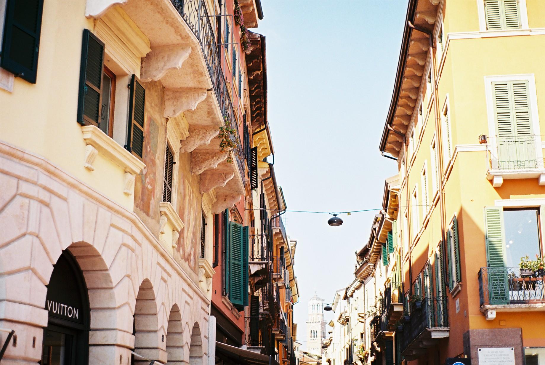 Verona Day Trip Gargnano Corso d'Estate