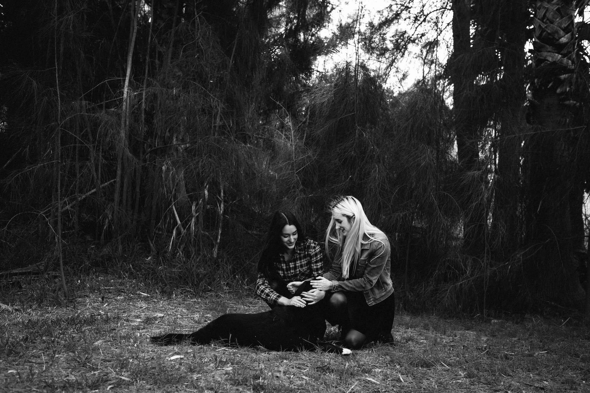 Beaton Park Swan River Family Photographer Sisters